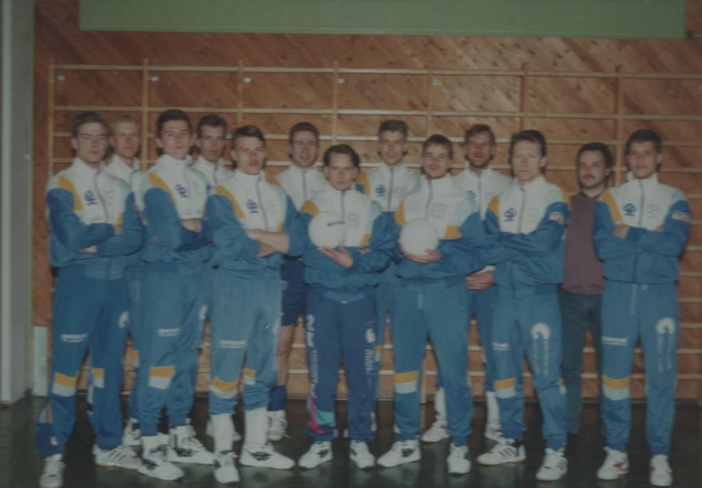 M I 1993-94